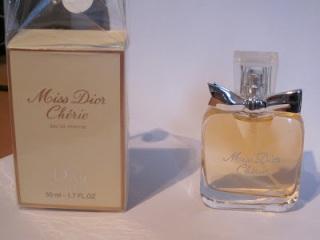 https://aloucadosperfumes.files.wordpress.com/2015/02/b78f7-miss2bdior2bcheri2bfake.jpg