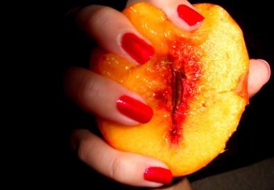 Resultado de imagem para sexy peach